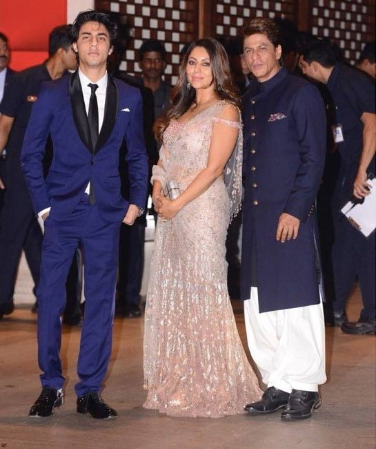 Shahrukh khan at Akash Ambani engagement