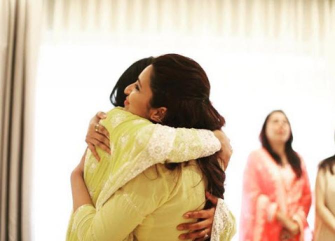 Priyanka Chopra Hugging Pariniti Chopra