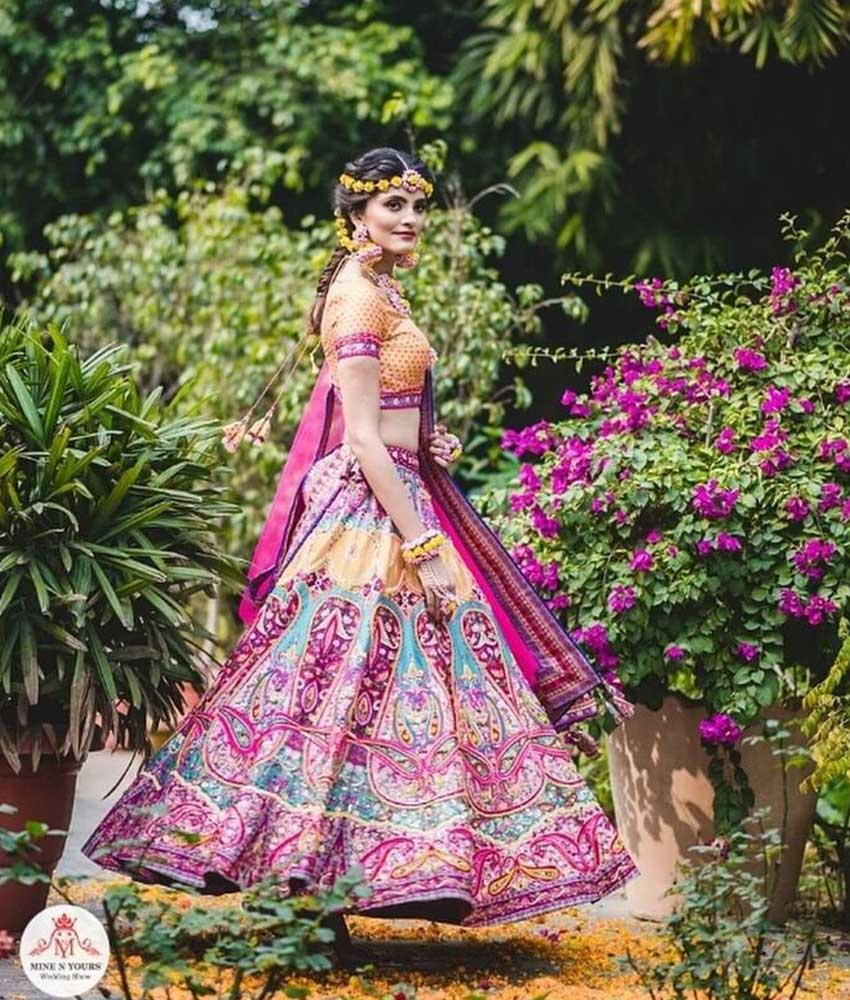 Unique Bridal Lehenga Designs (16)