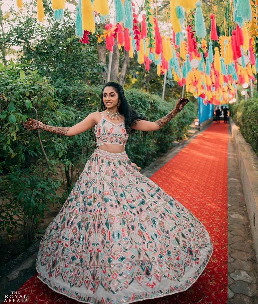 Unique Bridal Lehenga Designs (8)